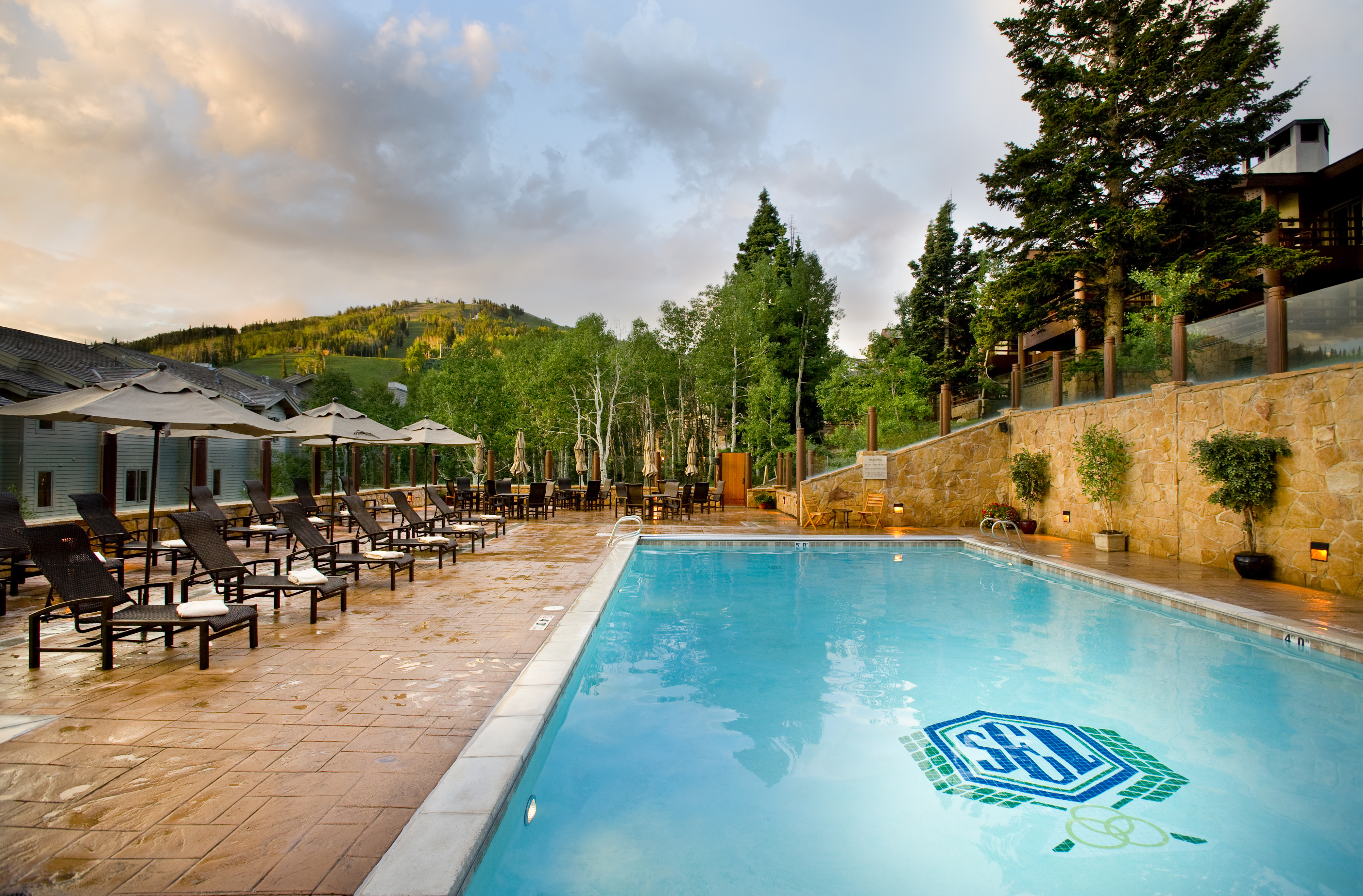 Stein_Eriksen_Lodge_Deer_Valley_Summer_Pool1
